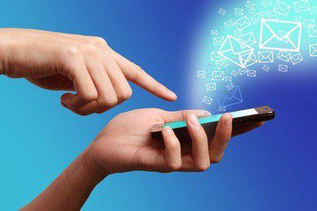 Még mindig fizetsz az SMS-ért? Trükkök a spórolásra