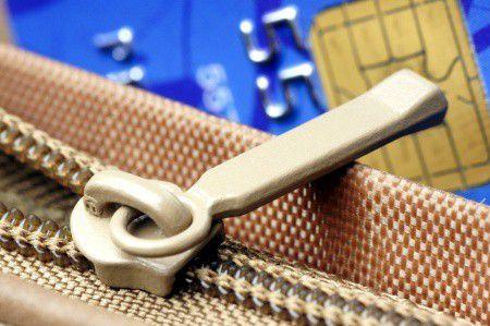 Olcsóbb, vagy drágább lett a bankolás az ingyenes készpénzfelvétellel?