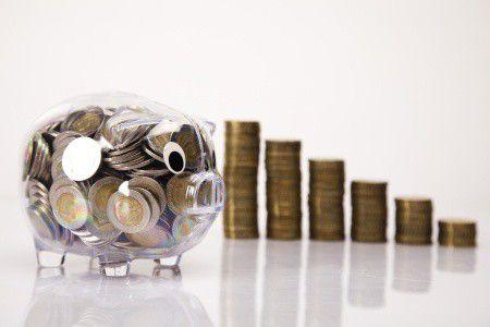 Ne bízd a rezsicsökkentésre! Így spórold meg a kötelező biztosításod a bankszámlád költségeiből!