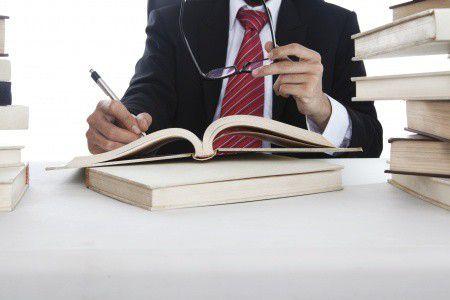 Devizahitelesek: ki, hogyan és mennyit követelhet? Jogi vélemény – interjú