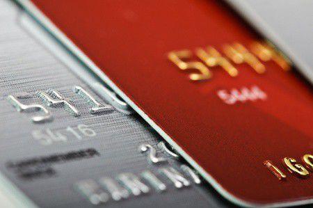 Prémium bankkártyára vágyik a magyar