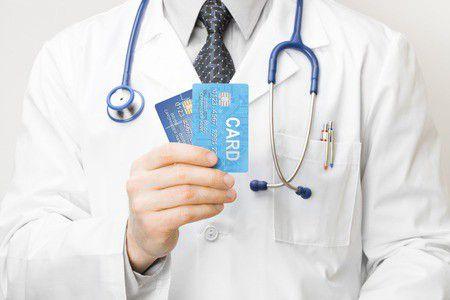 Külföldi nyaralást tervezel? A bankkártyád megvédhet