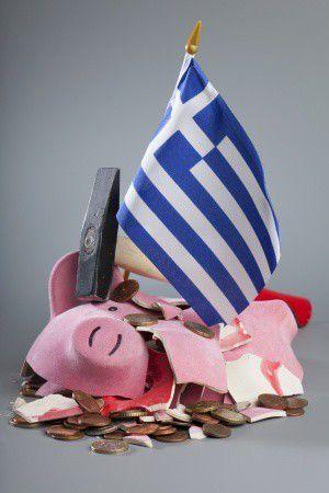 Itt a görög csőd – Mit jelent ez a magyar hitelesek és megtakarítók számára?