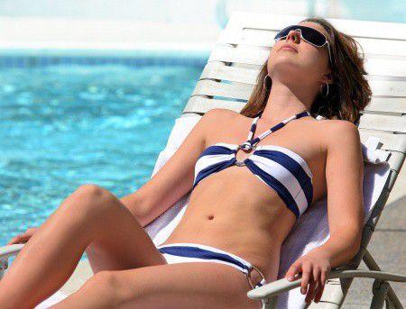 A napon pirulj, ne a recepción! Ezekre figyelj a nyaralás kifizetésénél