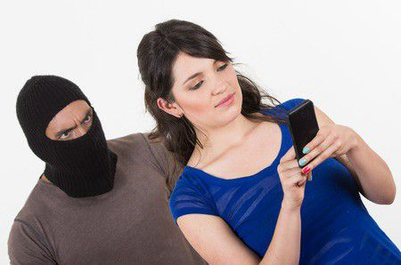SMS az adóhivataltól – Vigyázz, átvernek!