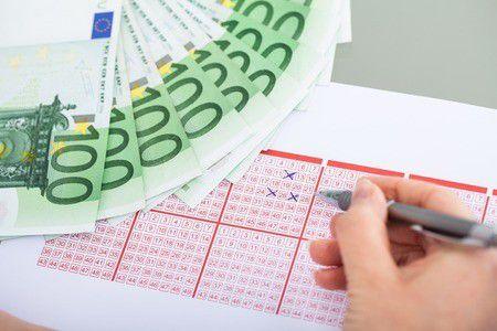 Meg akarsz gazdagodni? AZONNAL hagyd abba a lottózást!