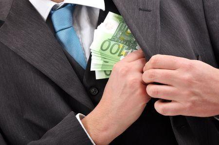 Itt az idő sok-sok eurót venni? – Nem olyan biztos!