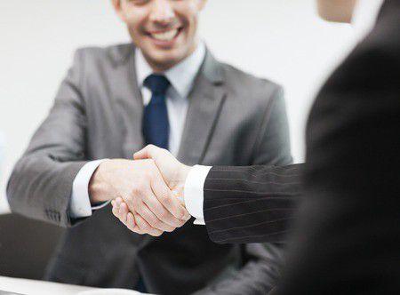Hihetetlen, de segíteni fognak a vevőid a céges hitelfelvételnél