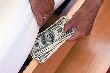 Tovább nőtt a készpénzállomány júniusban. De mit kezdhetnénk ezzel a pénzzel?