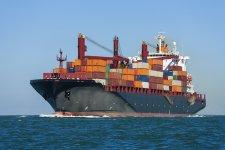 Bajban a tengeri kereskedelem? Nem fogynak az új hajók