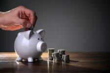 Nagyon lemaradtak a nyugdíjak a bérekhez viszonyítva