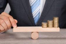 Itt a szuperhitel hatása – 0,5-1 millióval kevesebbet fizetsz a banknak!