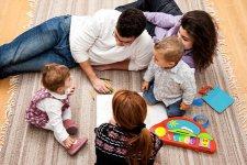 Gyermekek családi körben