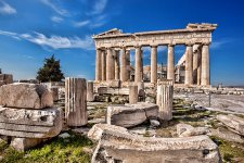 8 év alatt kétharmadára csökkentek a görög nyugdíjak