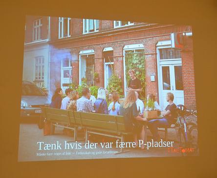 Hva skjer når vi begynner å eksperimentere med dyrking i byen og bytter ut parkeringsplasser med langbord? TagTomat gjør spennende erfaringer på dette i Danmark.