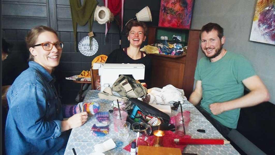 3 glade reparatører fra Bø.