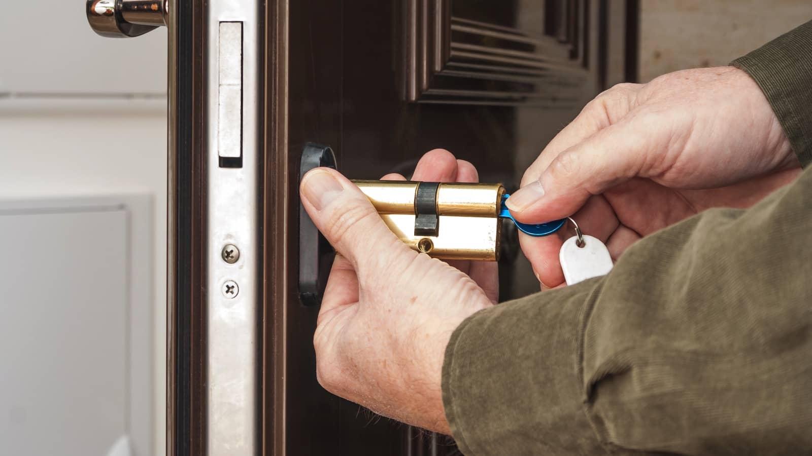 Serwis drzwi-wymiana zamków i wkładek