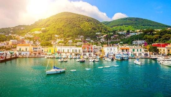 Gita a Napoli - Reggia di Caserta - Ischia