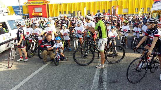 Complimenti a tutti i partecipanti sia per la pedalata di gruppo eravate in 400, che la prova tecnica di gincana dove tutti avete dimostrato di apprendere gli insegnamenti della vostra scuola di ciclismo il Branco.