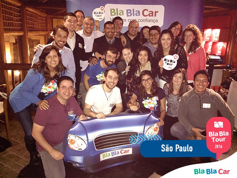 São Paulo - group picture dinner