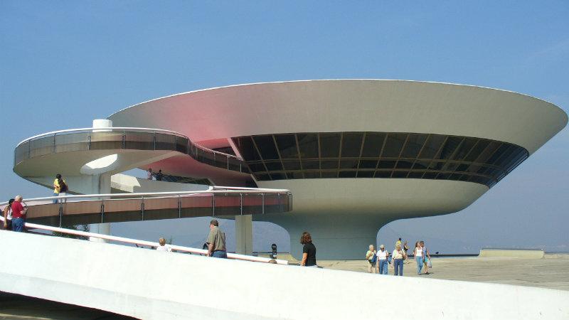 O Museu de Arte Contemporânea, em Niterói. Foto: Wikipedia.