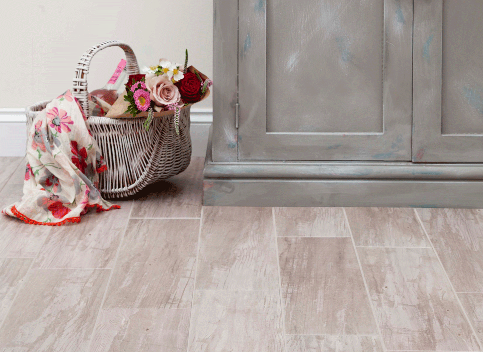 HD tile technology - Rustic wood effect