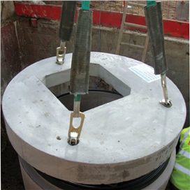 concrete-manhole-cover-slab-1050mm-dia-cw-600-x-600mm-sq-access