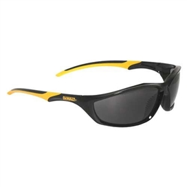 dewalt-router-dpg96-2d-safety-glasses-