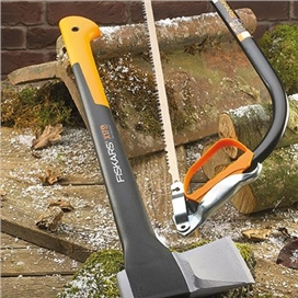 fiskars-1-57kg-3-4lb-splitting-axe-with-free-53cm-21-bowsaw-ref-xms17axe