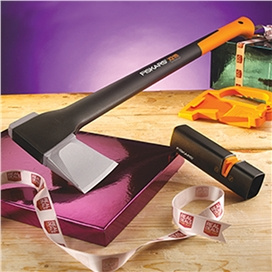 fiskars-new-x21-axe-with-ceramic-sharpener-ref-xms15axe