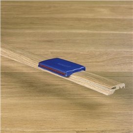 quickstep-incizo-door-profile-natural-varnish-oak-2.14mtr-.jpg