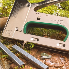 rapid-heavy-duty-staple-gun-with-650-free-staples-ref-xms17tacker