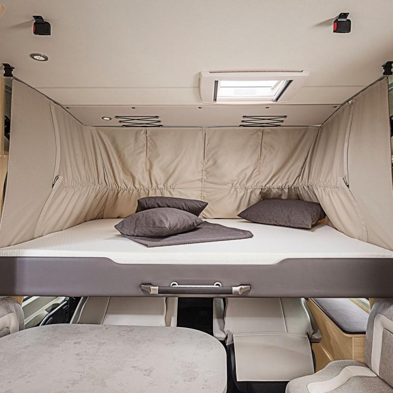 Höj- och sänkbar säng i förarhytten