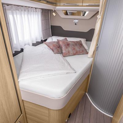 Interiör, sovrum, fransk säng