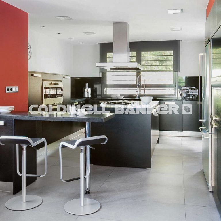 House design with views in residencial area of Mirasol