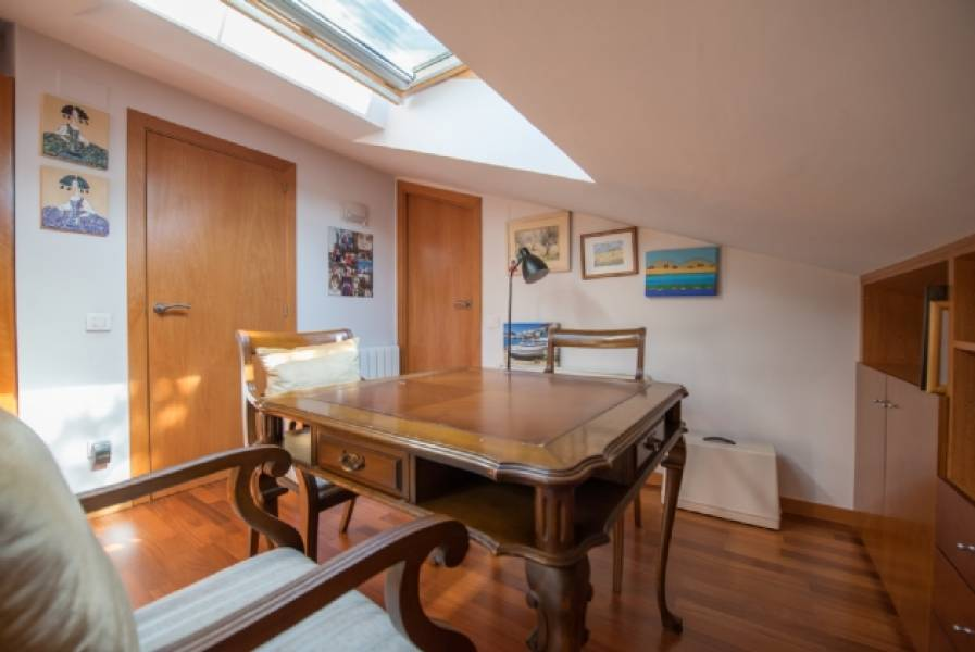 Impeccable duplex penthouse 116m2 Eixample