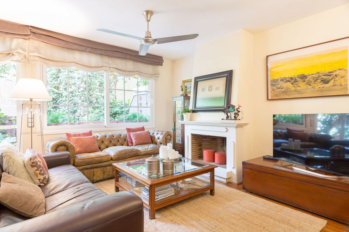 Charming townhouse in Parc Central-Colomer