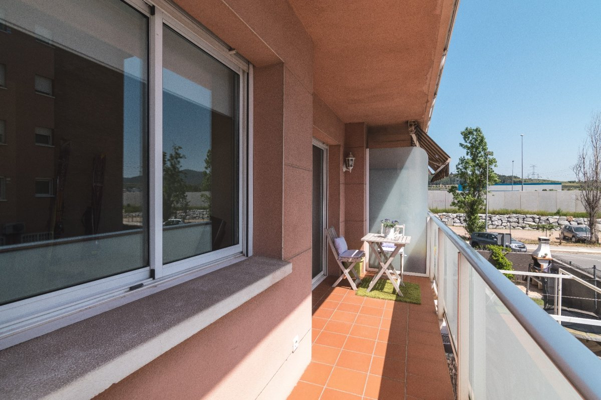 Beautiful and cozy apartment in San Andres de la Barca, near the railway station