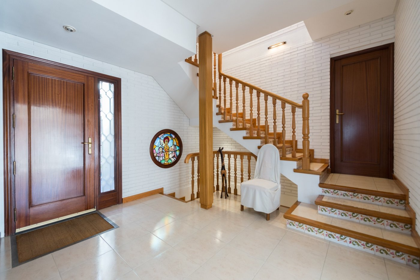 Magnificent house in residential area Mirasol