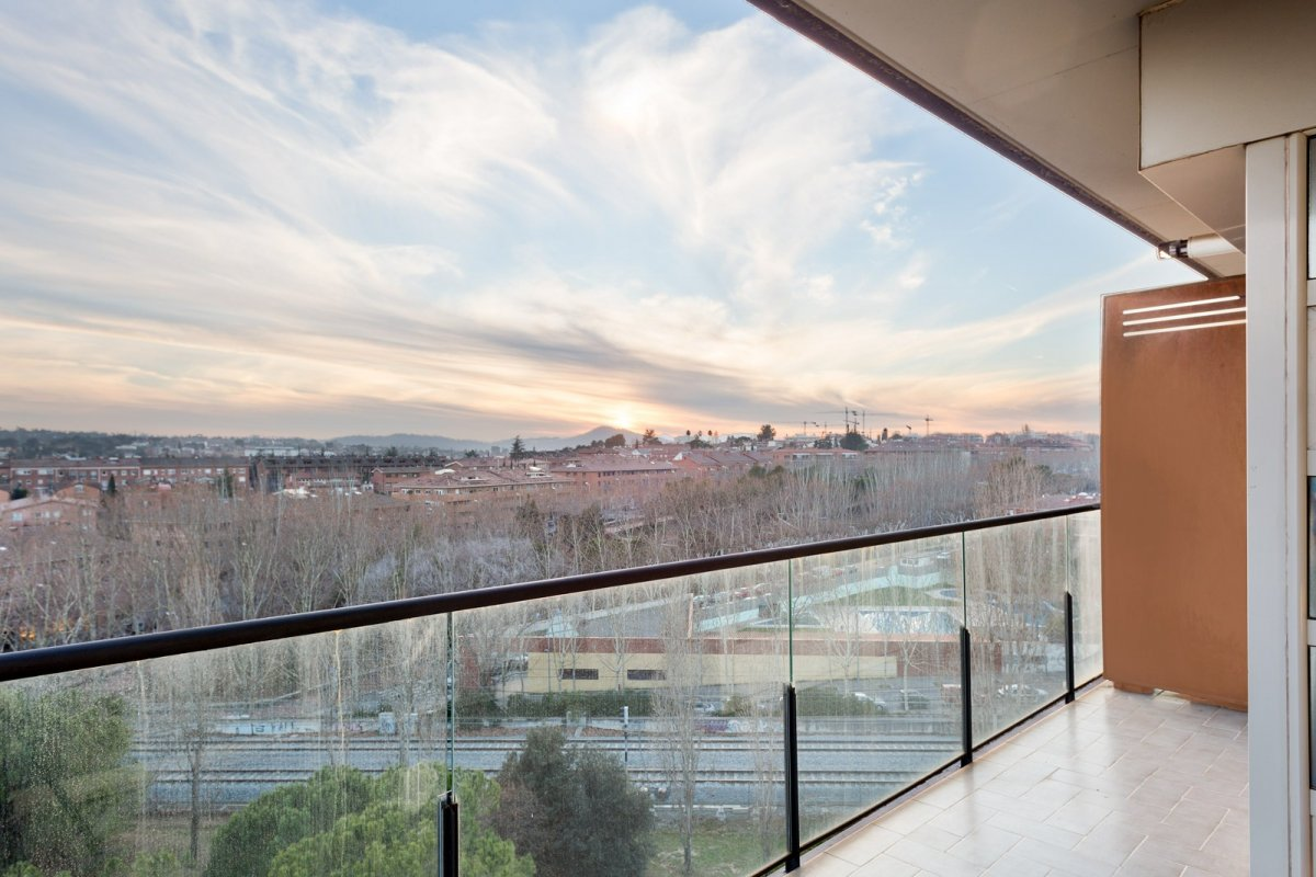 Beautiful duplex penthouse very close to the center of Sant Cugat