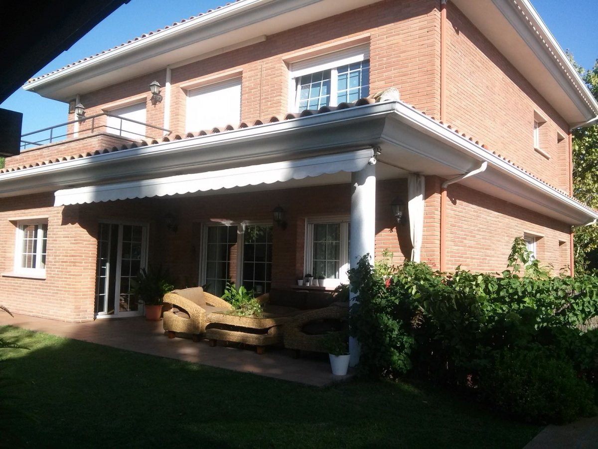 Charming House to rent  in Mirasol