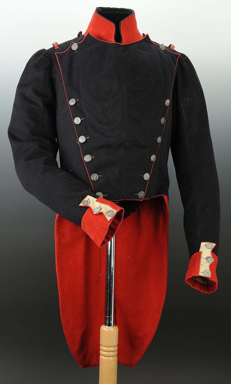habit troupe de chasseur de la garde nationale monarchie de juillet. Black Bedroom Furniture Sets. Home Design Ideas