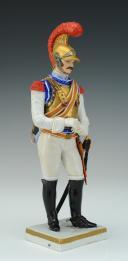 Photo 2 : CARABINIER 1810-1815, PREMIER EMPIRE : FIGURINE EN PORCELAINE PAR VAN GERDINGE, XXème siècle.