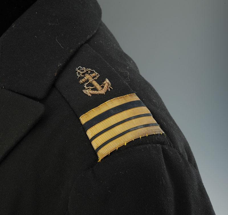 habit de soir e d 39 officier de marine mod le 1926 pour capitaine de corvette troisi me r publique. Black Bedroom Furniture Sets. Home Design Ideas