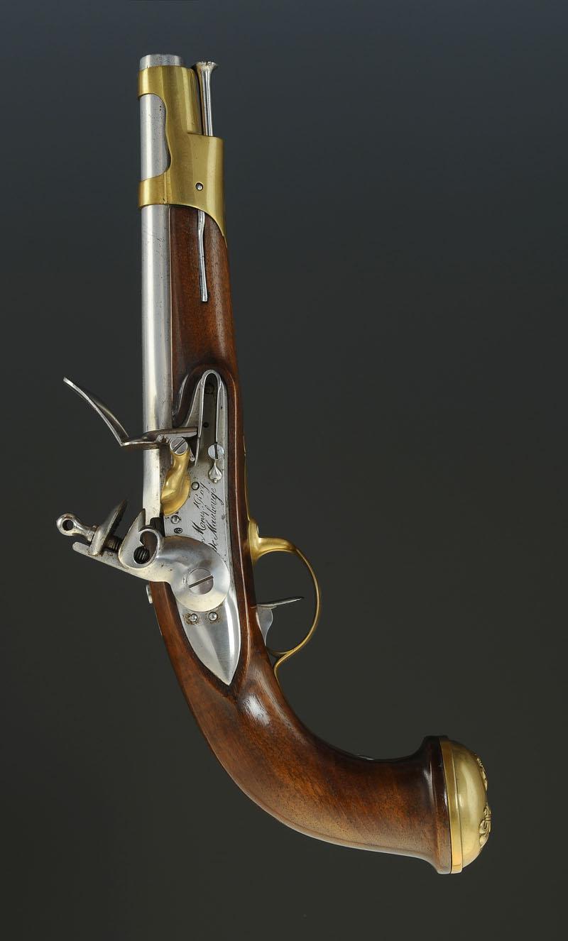 pistolet des gardes du corps de la maison militaire du roi  second mod u00c8le 1816  seconde