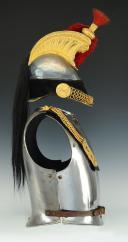 Photo 5 : CASQUE ET CUIRASSE D'OFFICIER DE CUIRASSIERS, modèle 1845, Monarchie de Juillet - Second Empire.