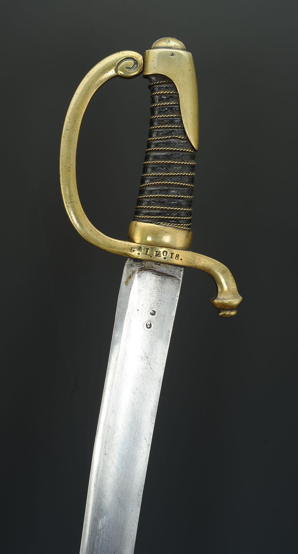 Quid de l'attribution des Briquets dits de la Vieille Garde  - Page 4 Sabre-dit-briquet-d-infanterie-de-la-garde-imperiale-modele-premier-empire_9