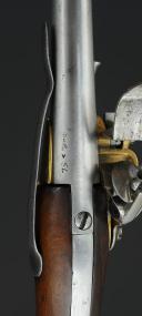 """Photo 10 : PAIRE DE PISTOLETS D'ARÇON, MODÈLE 1777, dit à """"coffre"""", premier type, ANCIENNE MONARCHIE."""