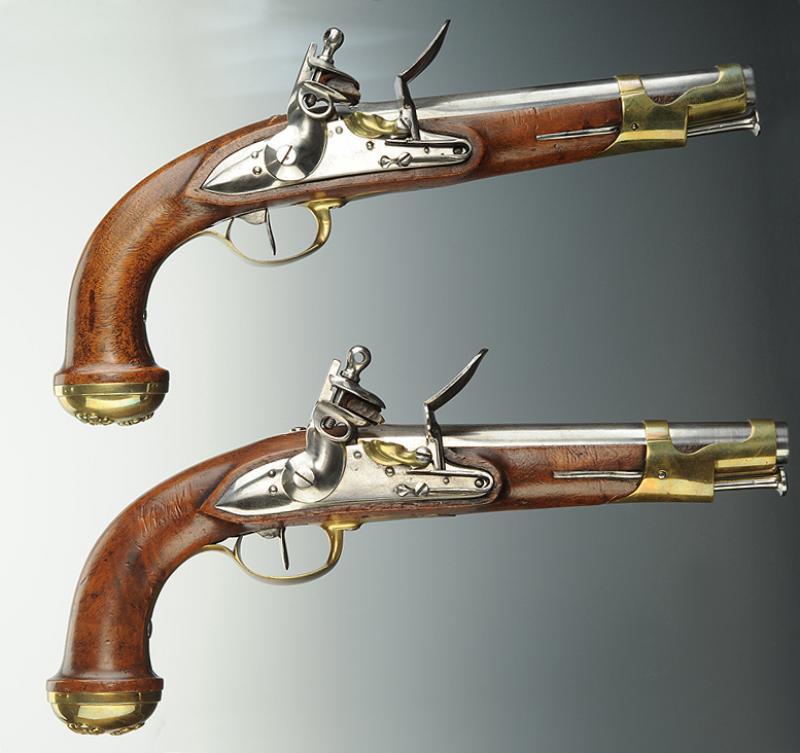 paire de pistolets des gardes du corps de la maison militaire du roi second mod le 1816. Black Bedroom Furniture Sets. Home Design Ideas