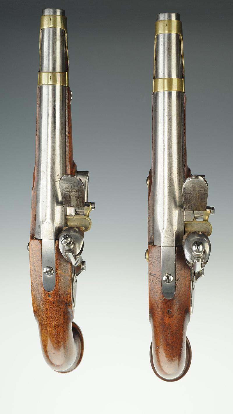 paire de pistolets des gardes du corps de la maison